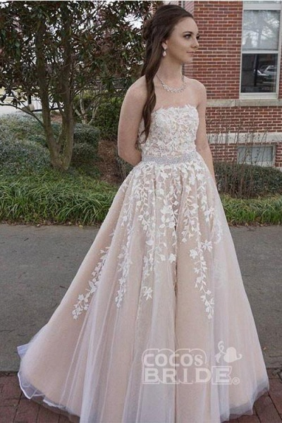 Princess A-line Strapless Tulle Long with Lace Appliques Wedding Dress_2