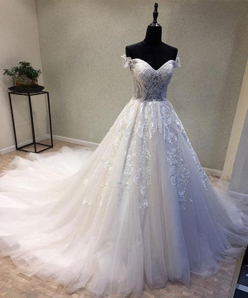 Sweetheart Neckline Off Shoulder Sweep Train Wedding Dress_2