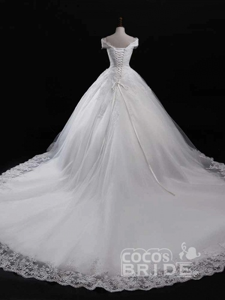 Gorgeous V-Neck Lace Tulle Ball Gown Ruffles Wedding Dresses_2