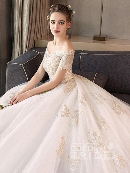 Elegant Off-the-Shoulder Lace Ball Gown Wedding Dresses_5