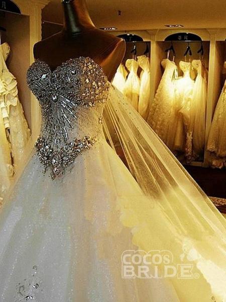 Luxury Sweetheart Crystal Ball Gown Wedding Dresses_4