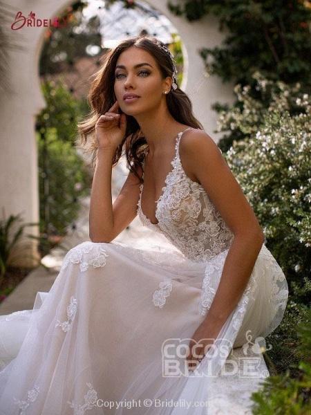 Fashion Spaghetti Strap Backless Boho Wedding Dresses_3