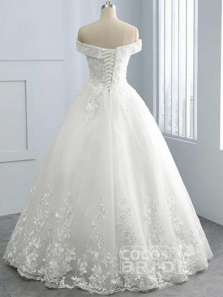 Gorgeous Off-The-Shoulder Lace Ball Gown Wedding Dresses_2