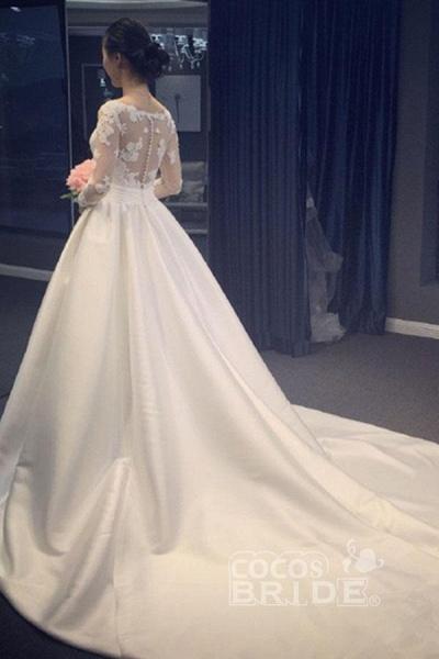 Elegant A Line V-Neck Appliques Long Sleeves Wedding Dress_2