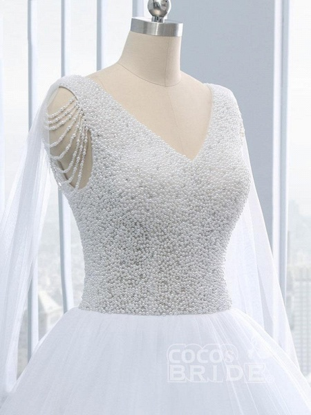 Beautiful V-neck Pearls Princess Wedding Dresses_5