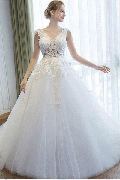 Ball Gown V Neck Tulle Court Train Appliques Lace Backless Wedding Dress_1