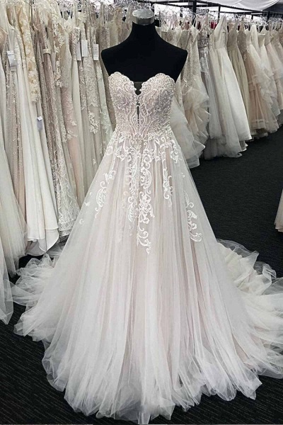 Unique White Lace Sweetheart Neck Long  White Wedding Dress_1