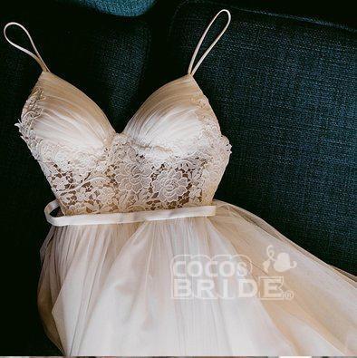 Charming Lace Ruffles Tulle Puffy Spaghetti Strap Beach Wedding Dress_3