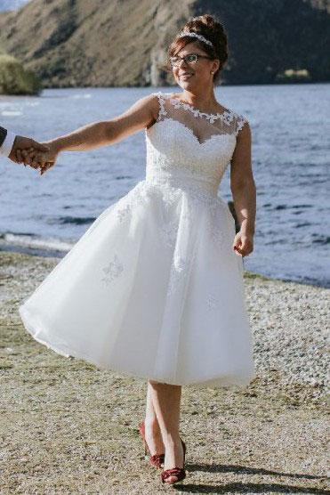 Illusion Appliques Sleeveless Tea Length Wedding Dress_1
