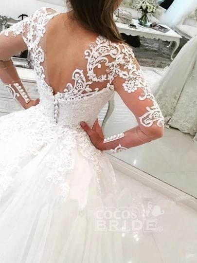 Gorgeous Ivory V-Neck Long Sleeves Appliques Watteau Train Wedding Dress_2