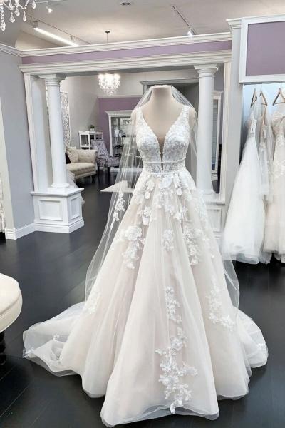 A-line Appliques V-neck White Tulle Lace Wedding Dress_1