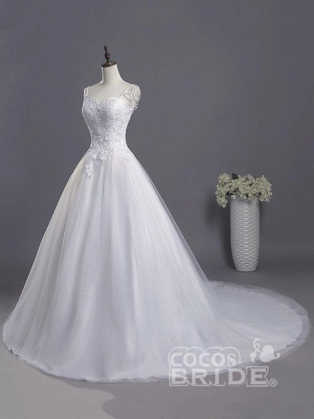 Gorgeous A-line Lace Appliques Wedding Dresses_2