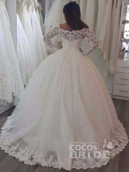 Elegant Bateau Long Sleeves Lace Ball Gown Wedding Dresses_2