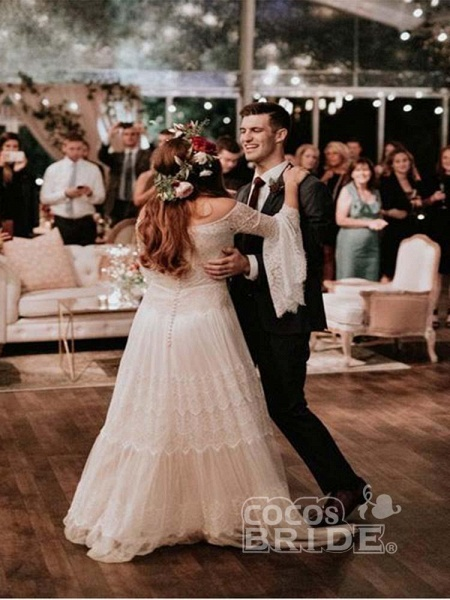 Long Sleeve Floor-Length Lace Boho Chic Wedding Dresses_3