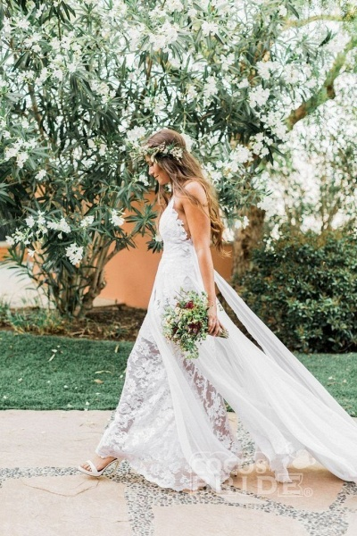 Casual Boho Spaghetti Straps Lace Beach Wedding Dress_3