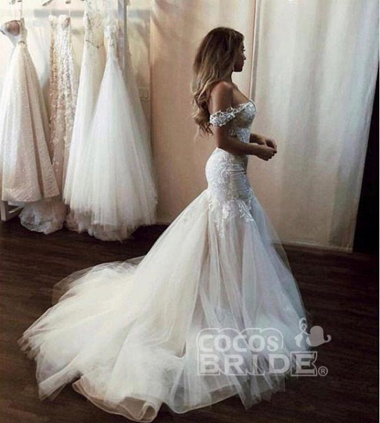 Off the Shoulder Mermaid Lace Long Tulle Wedding Dress_4