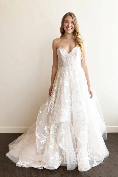 A-line Sweetheart Lace Appliqued Court Train Wedding Dress_2