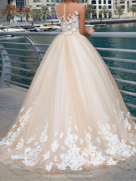 Gorgeous Lace Appliques Buttoned Ball Gown Wedding Dresses_2