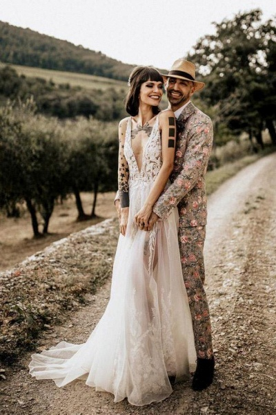 Deep V Neck Thigh Split Beach Vintage Wedding Dress_1