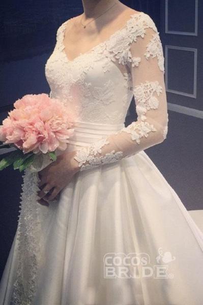 Elegant A Line V-Neck Appliques Long Sleeves Wedding Dress_4