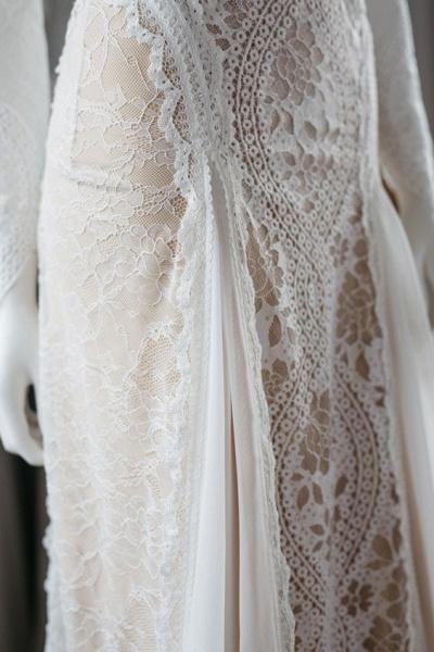 Elegant Long Sleeve Lace Sheath Wedding Dress_6