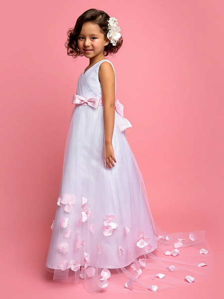A-Line Sweep / Brush Train Satin / Tulle Sleeveless V Neck With Bow(S)_2