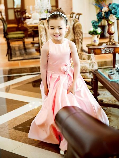 Princess / A-Line Floor Length First Communion Flower Girl Dresses - Satin Sleeveless Jewel Neck With Sash / Ribbon / Flower_2