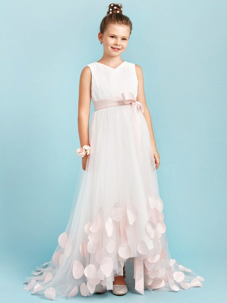 Princess / A-Line V Neck Sweep / Brush Train Satin / Tulle Junior Bridesmaid Dress With Sashes / Ribbons / Bow(S) / Wedding Party_4