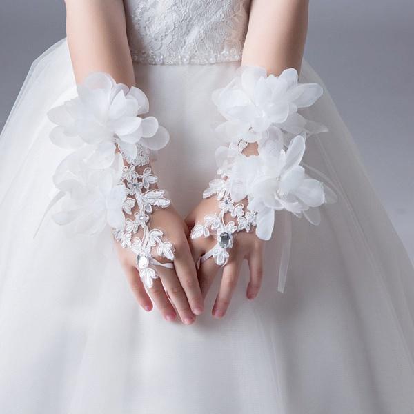 Lace Crystal Flower Wrist Length Glove_4