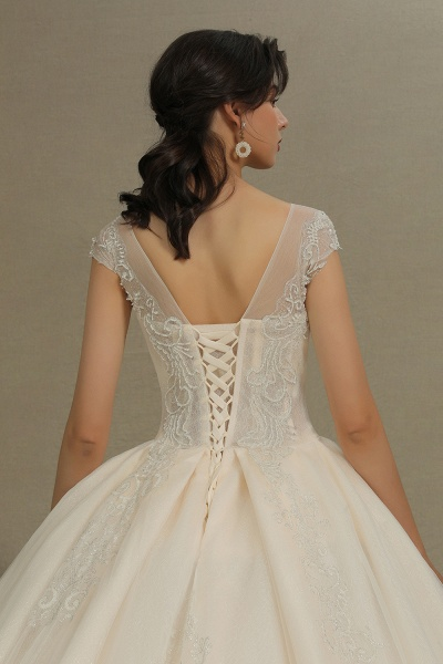 CPH223 Cap Sleeve Aline Cathedral Tulle Lace Appliques Garden Luxury Wedding Dresses_5