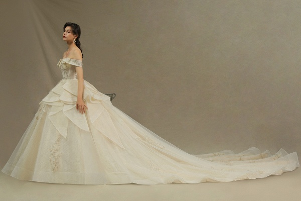 CPH243 Gorgeous Off-the-Shoulder Floral Appliques Ball Gown Ivory Luxury Wedding Dresses_6
