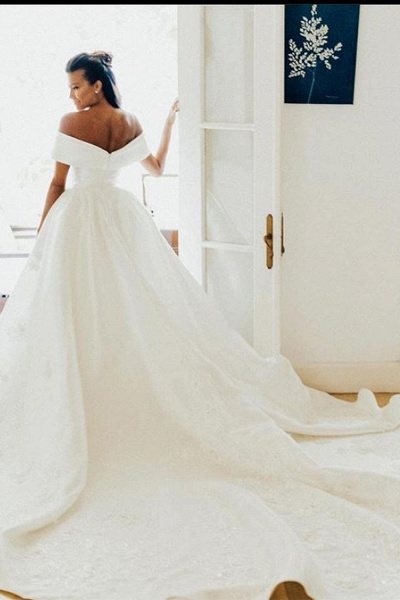 BC5610 Off The Shoulder White Lace Ball Gown Wedding Dress_4