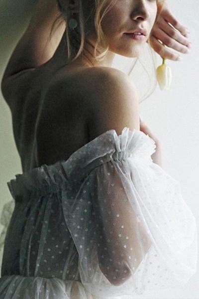 Off shoulder Puffy Sleeve Dot Tulle Wedding Dresses_6