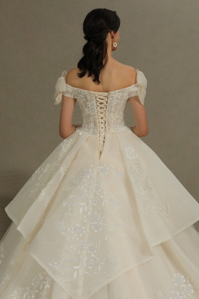 CPH244 Elegant Off-the-Shoulder Tulle Lace Ball Gown Floor Length Luxury Wedding Dresses_5