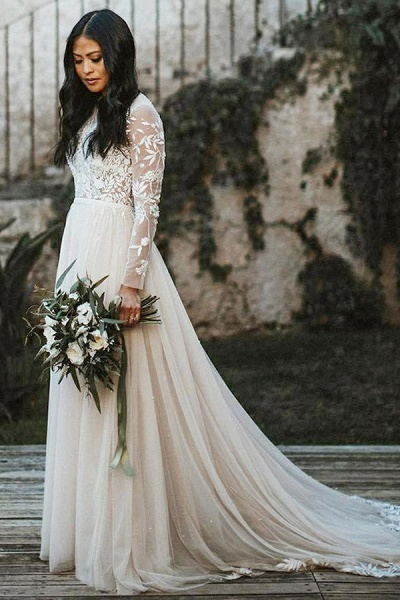 BC5749 A-line Lace Long Sleeve Scoop Sweep Train Wedding Dress_1