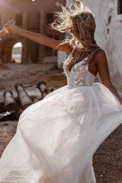 BC5796 Spaghetti Straps Lace Backless Tulle Boho Wedding Dress_1