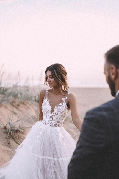 BC5667 Straps Lace V-neck Sheer A-line Boho Wedding Dress_2