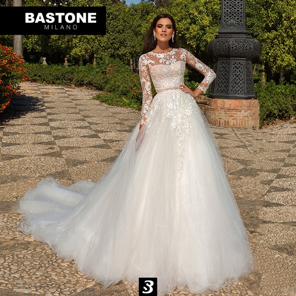 IC122L Wedding Dresses A Line Innocenza Collection_1