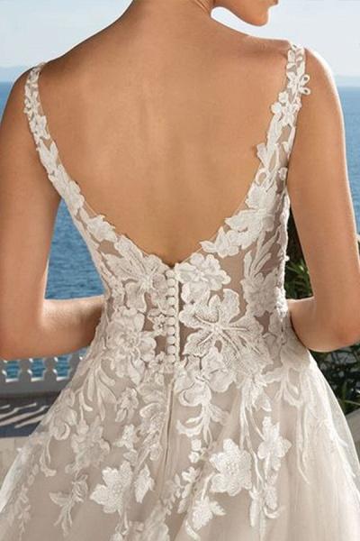 BC5897 Glamorous Sleeveless V Neck Wedding Dresses With Lace_4