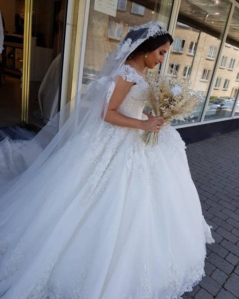 Beautiful Long Princess Off the Shoulder Lace Wedding Dresses_4
