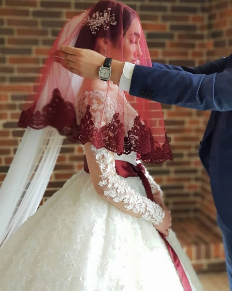 Elegant Princess Long Sleeves Lace Wedding Dresses_5