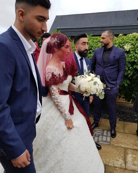 Elegant Princess Long Sleeves Lace Wedding Dresses_8