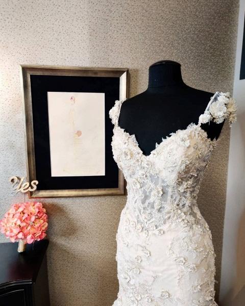 Luxury Mermaid Sweetheart Backless Lace Wedding Dress_3