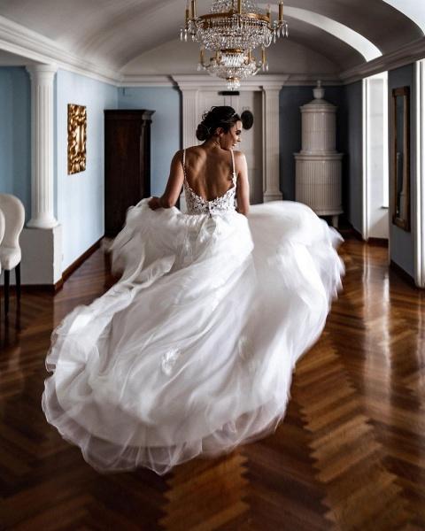 Elegant A-line Lace Tulle Spaghetti Strap Wedding Dress_3