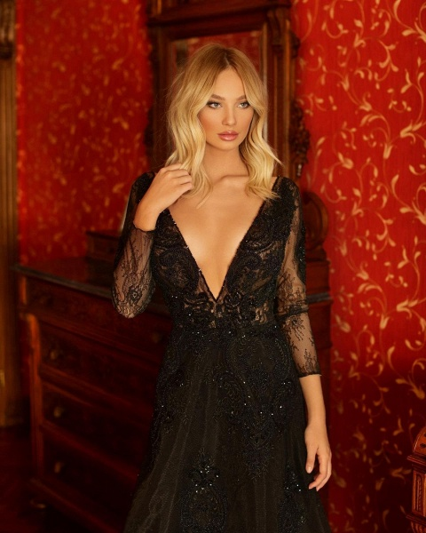 Elegant A-line V-neck Lace Long Sleeves Floor-length Prom Dress_3