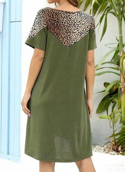 Burgundy Plus Size Tunic Leopard Round Neckline Casual Pockets Plus Dress_4