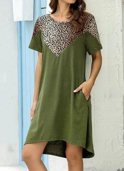 Burgundy Plus Size Tunic Leopard Round Neckline Casual Pockets Plus Dress_3