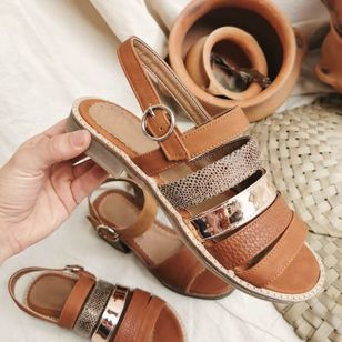 Women's Buckle Round Toe Flat Heel Sandals_9