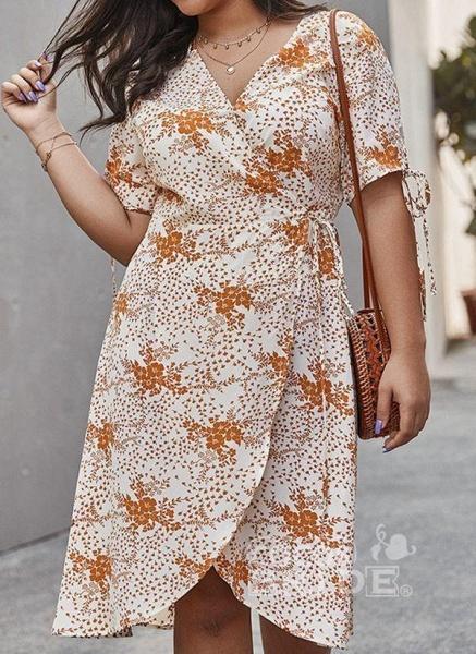 Apricot Plus Size Skater Floral V-Neckline Casual Knee-Length Plus Dress_5