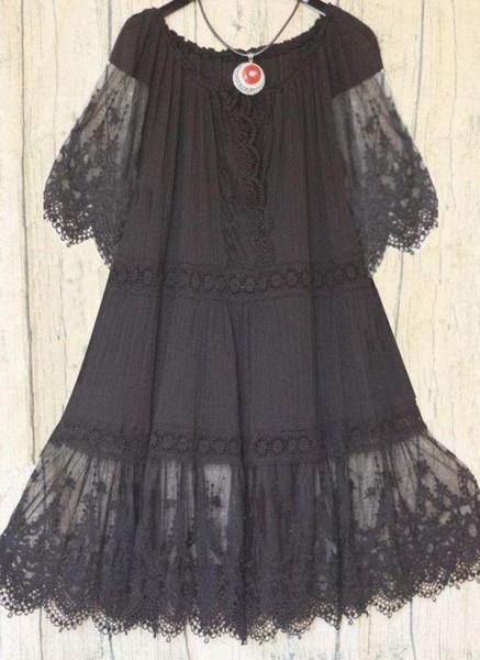 Black Plus Size Tunic Solid Round Neckline Casual Lace Plus Dress_1